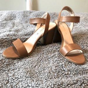 Joe fresh tan heel